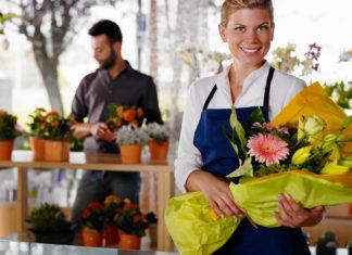 Veja nesta matéria algumas dicas sobre como ganhar dinheiro vendendo flores na Internet, uma opção de negócio online extremamente lucrativa, que para dar certo, só depende da sua criatividade.