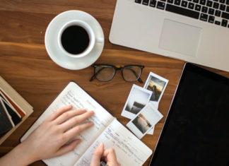 Veja neste artigo como transformar uma paixão em um negócio lucrativo. Se um dos segredos de um negócio de sucesso é justamente ter paixão pelo que se faz, veja como transformar esta paixão em um negócio lucrativo e os cuidados que você deve ter nesse processo.