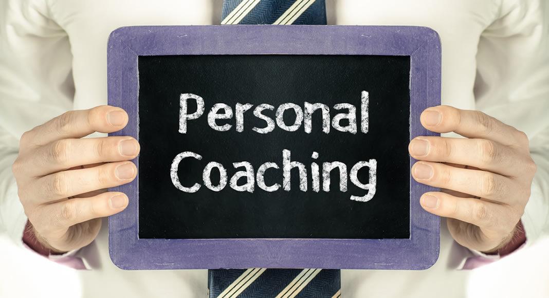 Veja neste artigo o que é coaching pessoal e de que forma a aplicação dessa técnica pode ajudar você no desenvolvimento pessoal e profissional. Veja como funciona e quais são as vantagens do coaching pessoal.