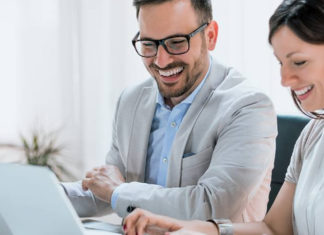 Veja neste artigo como funciona o processo de coaching e de que forma a aplicação de um conjunto de técnicas de estímulo e descoberta de habilidades pode mudar a sua vida pessoal e profissional.
